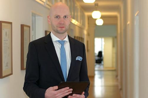 Rechtsanwalt John Bühler - Baurecht Anwalt